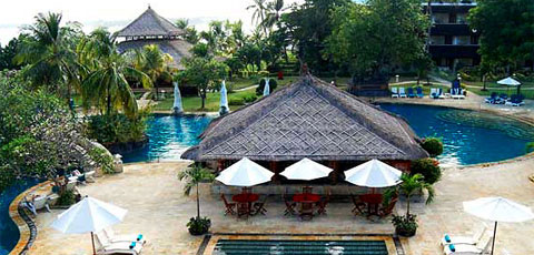 Discovery Kartika Plaza Amidst An Oasis Of 8 Hectares Of Tropical Gardens